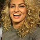 tori kelly short hair blonde