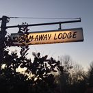 Dream Away Lodge tucked away in Becket MA #berkshires