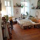 DIY-Sofa - super einfach nachzubauen | Wg zimmer einrichten ideen, Wg zimmer berlin, Wg zimmer