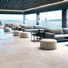 Traumhaftes Interior Design mit eleganten hellen Bodenfliesen!