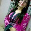 Beautiful Pakistani Girl in Pink Salwar Kameez Dress