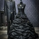 Schwarzes Brautkleid im Steampunk-Style