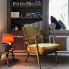 Einrichtungsidee mit Sessel, Bücherregal und passender Dekoration / Livingroom interior design