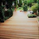 Schöne Hartholz Terrasse im Garten