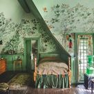 Two Centuries Of Scenic Wallpaper Explored In This Must-Read