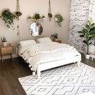 32 Minimalist Bedroom Ideas » Lady Decluttered