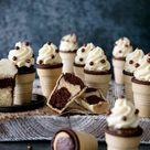 Marmor Cupcakes im Eisbecher mit Vanille-Frischkäse-Frosting   herztopf