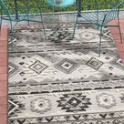 Southwestern Style Gray White High Traffic Stain Resistant Indoor Outdoor Area Rug - Rug 5'3\x7'3\