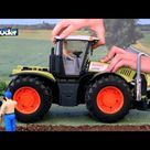 Claas Xerion 5000 -- 03015 -- BRUDER Spielwaren