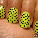 Nail art polka dots design