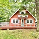 840 Sq Ft Lake Cottage For Sale in Dingmans Ferry PA $133,000 - Tiny House Calling