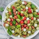 🥇 ▷ Caprese Nudelsalat mit Pesto » Einfaches und gesundes Rezept!