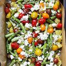 Ofenkartoffeln mit grünem Spargel, Tomaten und Feta