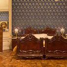 Tour of the palace