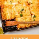 Dieses vegetarische Rezept für Lasagne mit Kürbis ist ein wahrer, gesunder Gaumenschmaus. #kürbislasagne #kürbis #lasagne #rezept #kochen #gutekueche