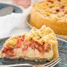 Rhabarber-Erdbeer-Streuselkuchen mit Vanille-Topfencreme