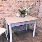 Küchentisch Tisch vintage antik skandinavisch 40er Jahre Kreidefarbe cremeweiß und hellgrau Bauhaus