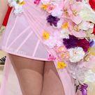 Lili Reinhart in Christian Siriano 2021 Met Gala Source:capricho.abril.com #celebrity #redcarpet #metgala #gowns #flowers #florals