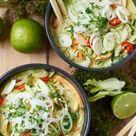 Grünes Thai Curry mit Zucchini Möhren und Pak Choi