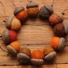 Orange gefilzte Wolle Eicheln oder Eichel Ornamente, Set von 12
