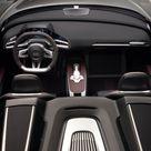 2010 Audi e tron Spyder    Interior