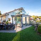 Wohnraumerweiterung, Dachterrasse und Essplatz im Freien.
