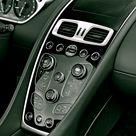 Aston Martin Vanquish Volante 2015.