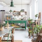 Binnenkijken in een mix van vintage, industrieel en curiosa