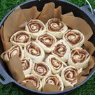 Zimtschnecken aus dem Dutch Oven – Cinnamon Rolls