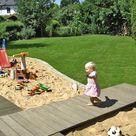 So bauen Sie eine Holzterrasse mit Steg