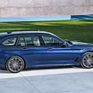 Download wallpapers BMW 5 Series Touring, G31, 2018, side view, new blue station wagon, M package, German cars, BMW besthqwallpapers.com