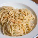 Spaghetti Aglio e Olio 2.0 - Anbruzeln und Zitrone dran, yeah!