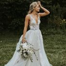 V-neck A-line Wedding Dresses Lace Appliques Tulle Bridal Gowns with Plunging Back Wedding Gown robe