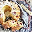 Rezept für supersaftigen Joghurt-Himbeer Gugelhupf aus dem Backbuch Jeannys Lieblingskuchen