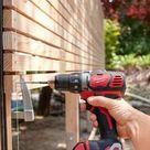 So bauen Sie einen Sichtschutz aus Holz selber