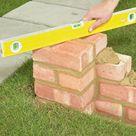 Gartenmauer aus Ziegelsteinen selber bauen - Anleitung - DIY, Garten - ZENIDEEN