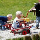 Winther Mini Wheelbarrow