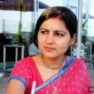Indian girl in dark pink saree fashion