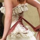 4 Steps On How to Wear A Corset And Look Amazing!