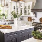 Try traditional and farmhouse style in the kitchen