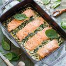 Einfacher Ofen Lachs auf Spinat