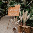 Holzschild Hochzeit mit Pampasgras Deko