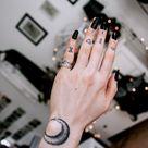 Der neuste Schrei - Finger Tattoo: 65 Tattoo Motive zum Verlieben! - Tattoos - ZENIDEEN