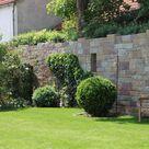 SANTURO Burgruinenmauer