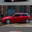 Alfa Romeo compact car evolution / 1971 Alfasud / 1980 Alfasud facelift / 1983 33 / 1990 33 facelift / 1994 145 / 1995 146 / 2000 147 / 2004 147 facelift / 2010 Giulietta / Italy / red / GTA / list alfa alfaromeo italiandesign