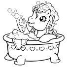 Coloriage Petit poney fait des bulles dans son bain - Mon Petit Poney