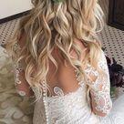 Brautfrisur offen   mit gewellten Haaren und Eukalyptus
