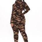 Womens Ready For The Weekend Camo Lounge Set in Camouflage Size Large by Fashion Nova