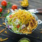 California Salat mit Guacamole und gegrilltem Hähnchen