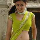 South Aunty Show Navel in Green Saree